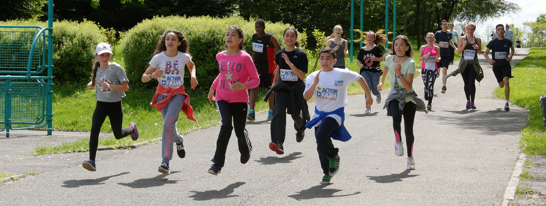 La course contre la faim, organisée par Action Contre la Faim, au parc de la Douce, à Bavilliers.