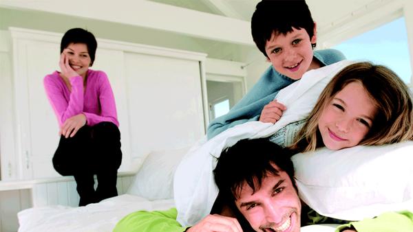 famille-heureuse