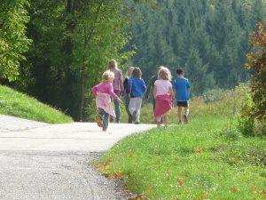 promenade en famille en nature