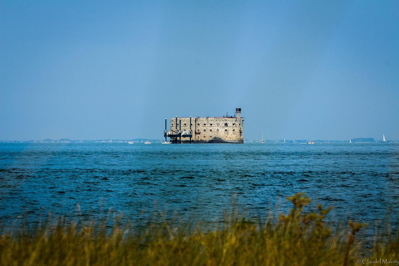 Vue du Fort Boyard depuis la côte