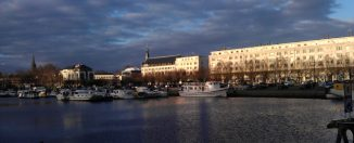 Un panorama des quais de Nantes