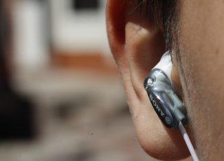 Ecouteur intra-auriculaire avec fil